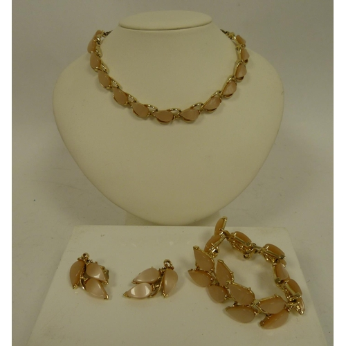 20 - Vintage necklace, earrings and bracelet....