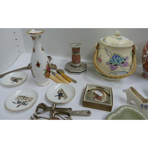 33 - Collection of miscellaneous items to include e.p.n.s. toast rack, Art Deco biscuit barrel, Wedgwood ...