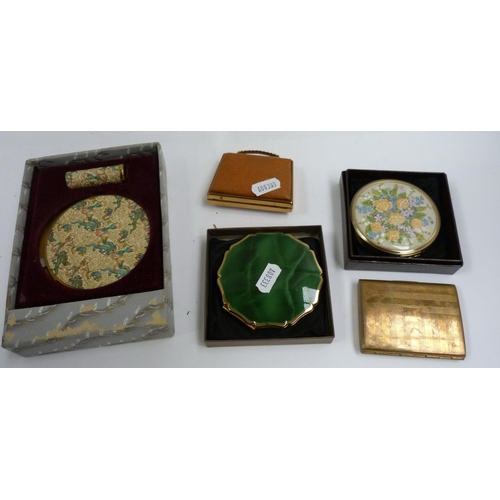 38 - Collection of lady's compacts....