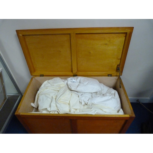 13 - Large wooden bedding box.