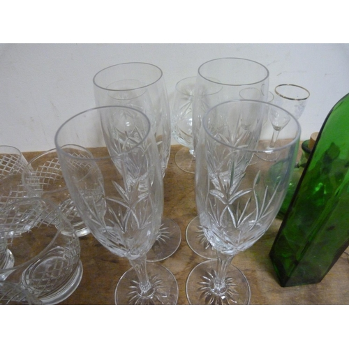 31 - Box of miscellaneous glassware to include Stuart crystal.