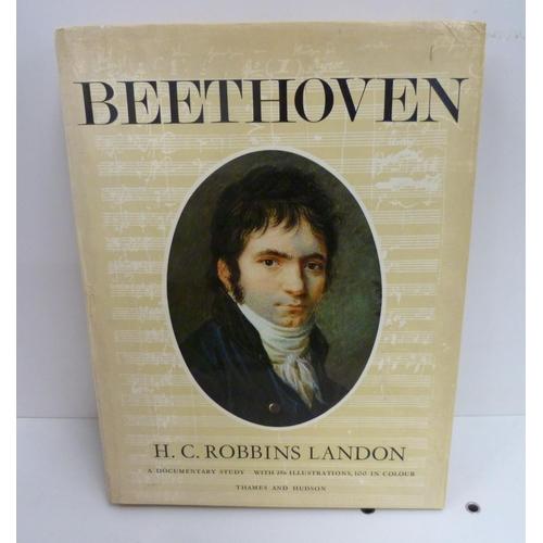 153 - <strong>ROBBINS LANDON H. C.</strong>Beethoven, A Documentary Study. Illus. Quarto. Orig...