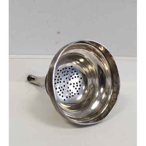 1 - Silver wine funnel with reeded edges, crested by Francis Howden, Edinburgh, c.1810. 3oz....