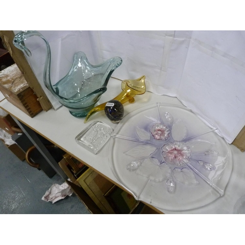 23 - Assorted glassware including Adrian Sankey paperweight, large punch bowl, swan vase etc.