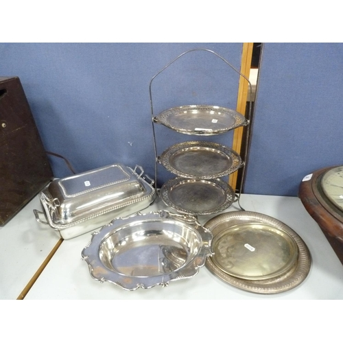 29 - Plated cake stand and dishes.