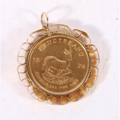 SOUTH AFRICA gold Krugerrand 1974 in 9ct gold pendant mount, 40.1g gross