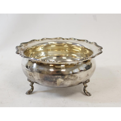 48 - Silver circular tea pot with shaped moulded edge and the sugar bowl, Sheffield 1919, 724g.