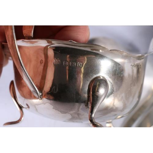 50 - George V silver cream jug with piecrust edge byBarker Brothers Silver Ltd, Birmingham 1927 90g...