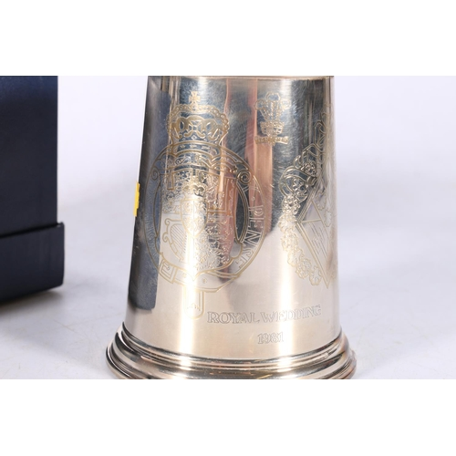 57 - Contemporary silver tankard commemorating the 1981 Royal Wedding with incised crests by St James Hou...