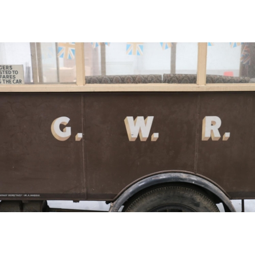 8 - MORRIS COMMERCIAL MODEL T BUS,vintage bus, c.1930s in GWR livery. Reg. no. SV4921, with Vehicle Reg...