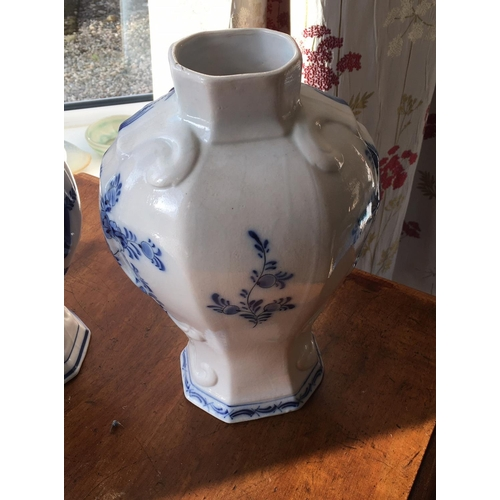 10 - <p>Pair of Delftware Vases 32cm tall.</p> <p>We have checked the vases over and we can find no chips...