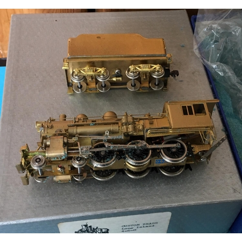 30 - <p>Boxed CUSTOM BRASS Long Island 4-6-0 Model Train.</p> <p>The train in our opinion is in an very g...