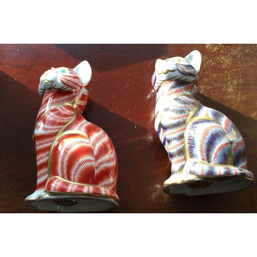 4 - <p>Lot of 2 x Royal Crown Derby Cats with Gold Stoppers.</p> <p>The Cats have been checked over and ...