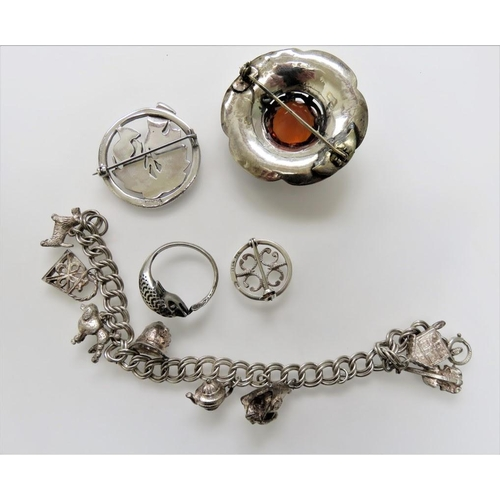 48 - <p>Vintage Lot of Silver Jewellery.</p> <p>The cost of UK Postage for this Lot will be £5.</p>...