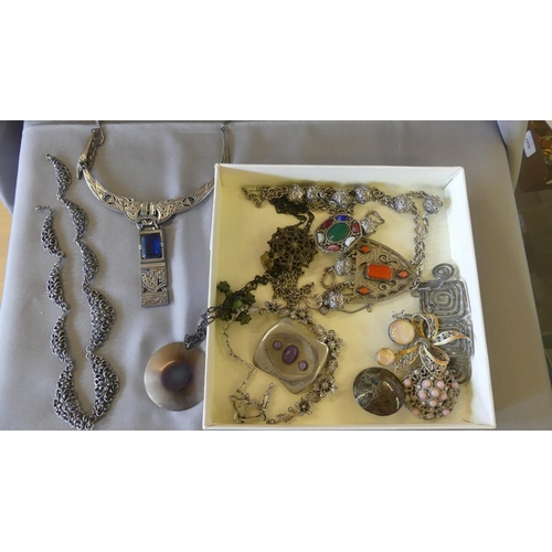 Tray Lot - Necklaces & Brooches.