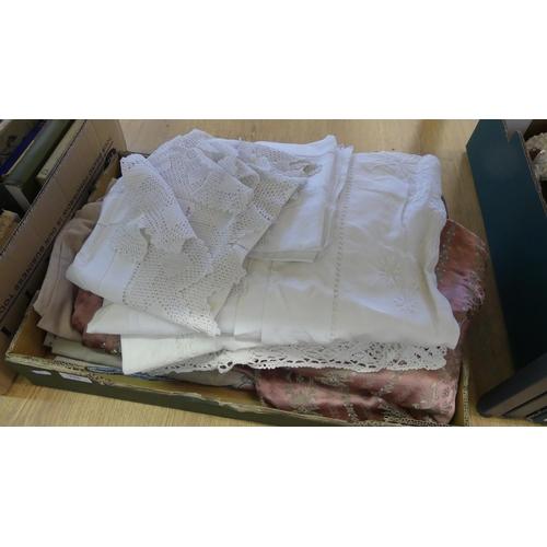 516 - Box - Assorted Linen, Table Cloths, Curtains etc.