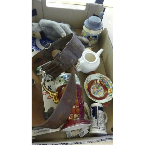 521 - Box - Assorted Pottery, Soft Toys etc.