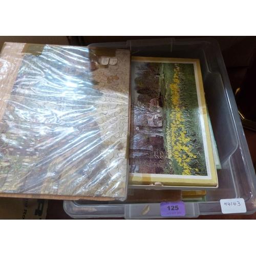125 - Nine vintage jigsaws...