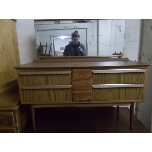 76 - Retro Dressing Table...