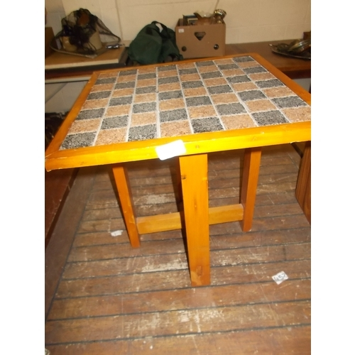 78 - Chess Table...