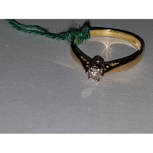 233 - Small 18ct Diamond Solitaire...