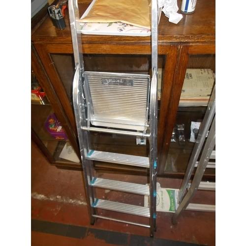 100q - Metal Ladders...