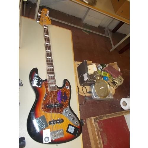 103 - Satalite Bass Guitar Bass Guitar...