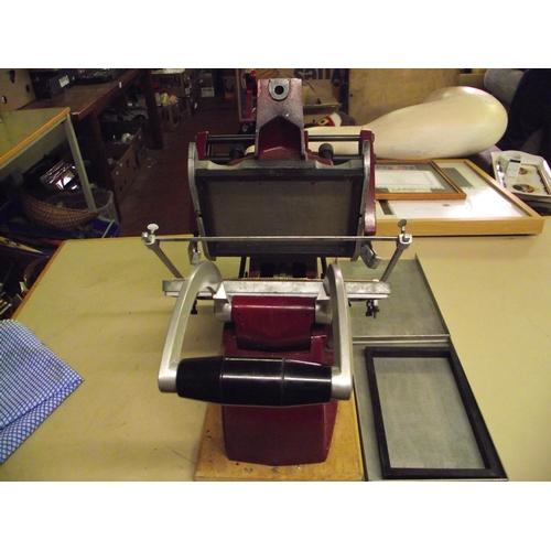 110e - Manual Printing Press...
