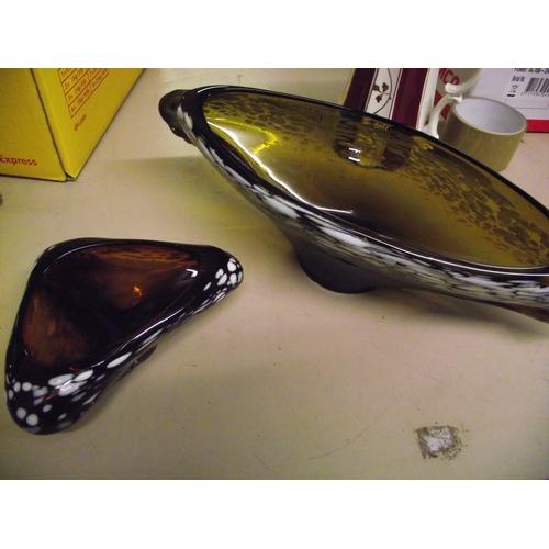 10 - 2 Pieces Studio Glass...