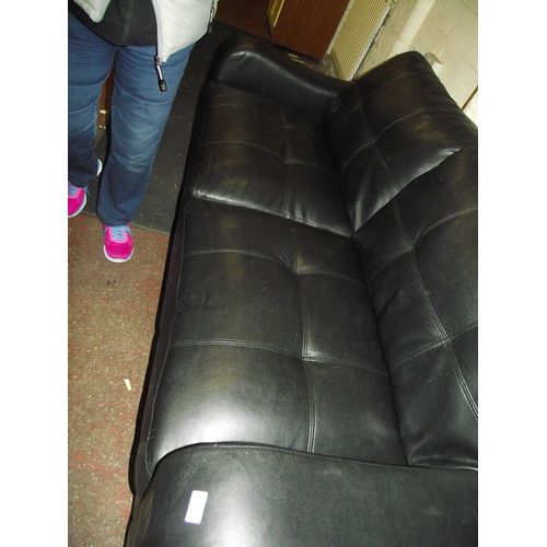 18 - Leather 3 Seater...