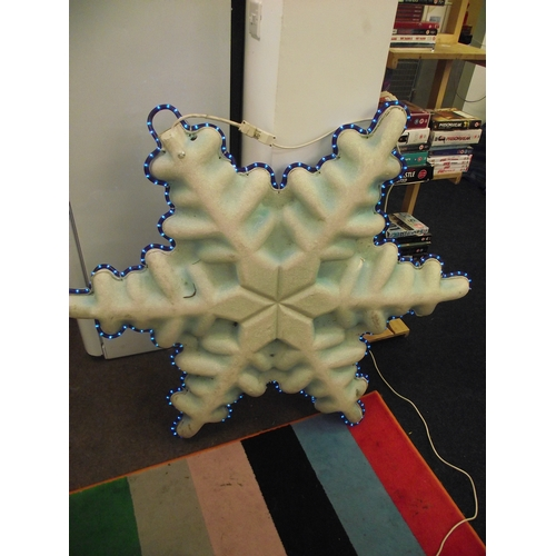 25 - 1 metre Illuminated snowflake...