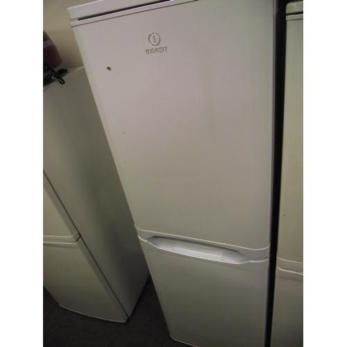 250c - indesit fredge freezer...