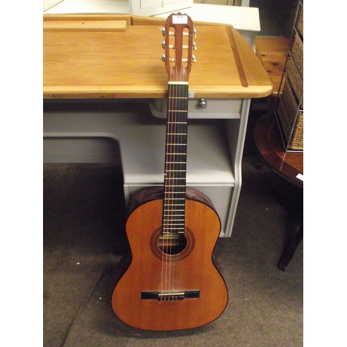 557 - Star sound acoustic guitar...