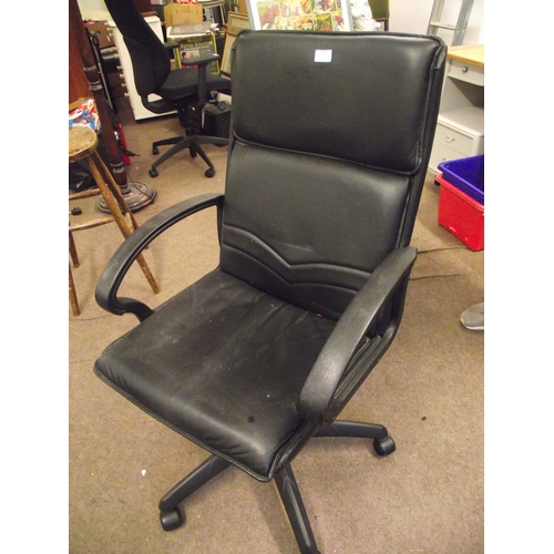 554 - Black leather computer chair...