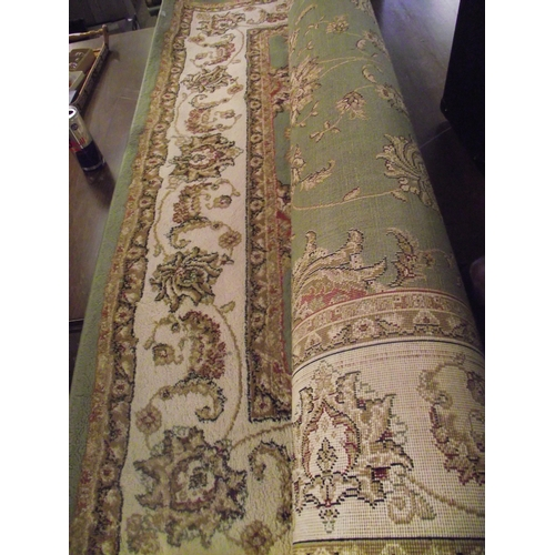 32 - Green rug 6 x 3ft...