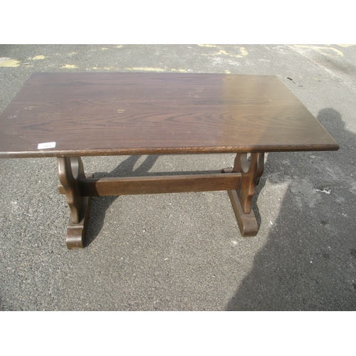 33 - Oak coffee table...