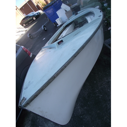 56 - Fibreglass boat on trailer Approx 16 foot....