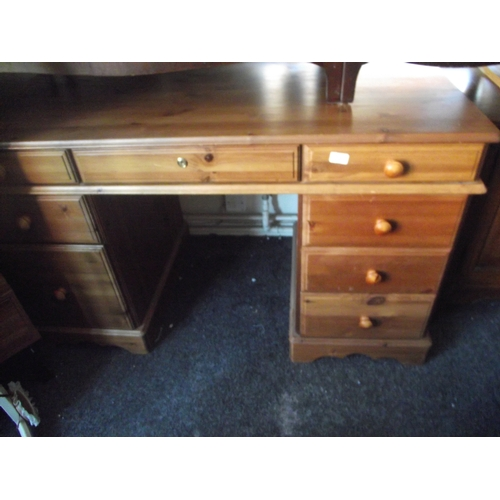78 - Pine Desk...