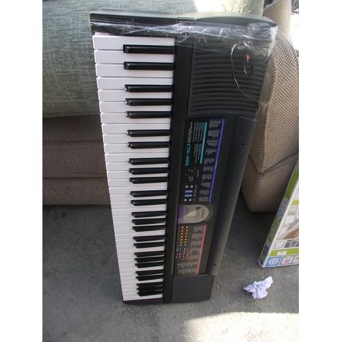 92 - Casio organ....