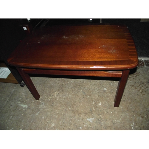 891 - G plan coffee table...