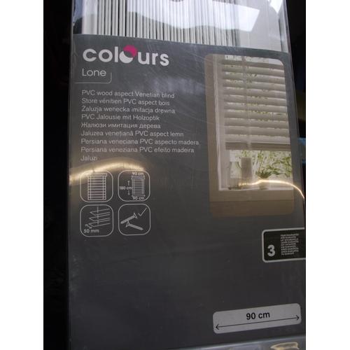 51 - colours lone PVC woodaspect venetian blind white...