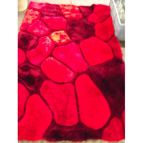 20 - Very Good quality vibrant rug 6ft x 3ft...