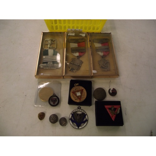 44 - Collection of vintage YMCA badges...