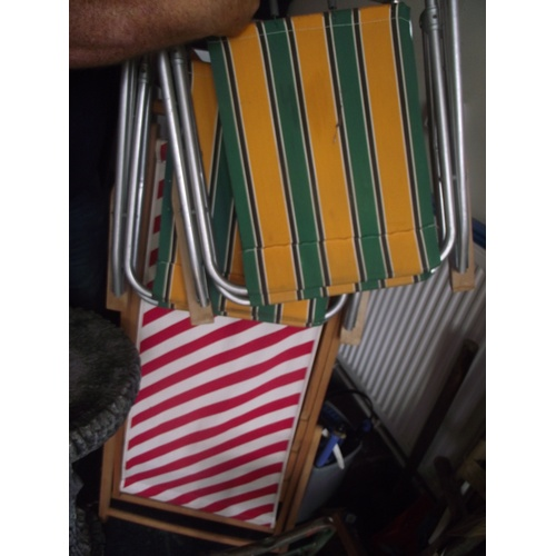 17 - 3 Deck chairs....