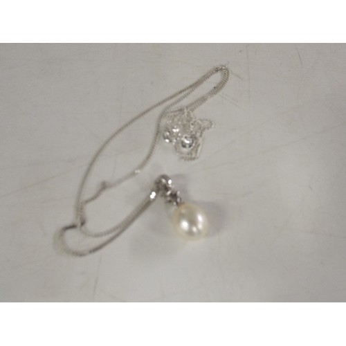44 - 925 silver and pearl pendant...