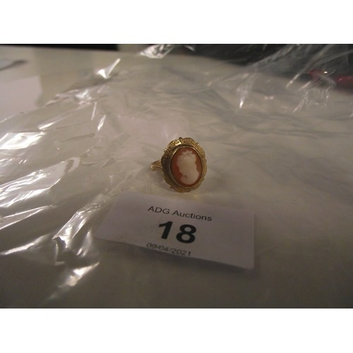 18 - Nice 9ct gold cameo ring size l 3.12g...