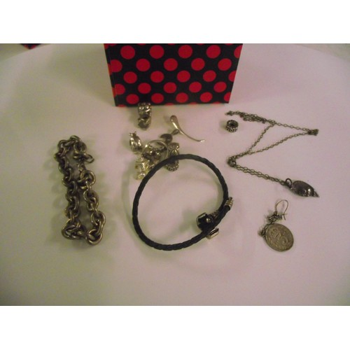 87 - Silver 3 pence plus other minature silver items ect