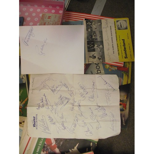 126 - Great collection of Sunderland Ephemera inc Cup semi final ticket & signed sheet from Doug Weatheral...