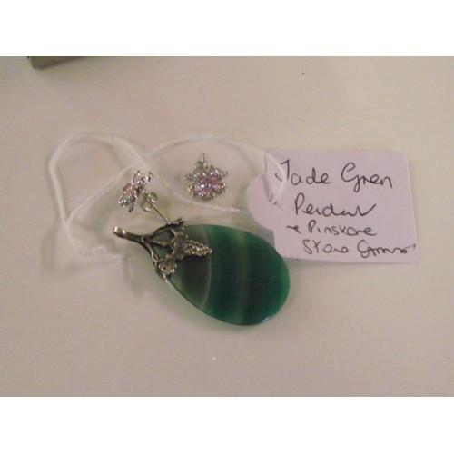 276 - Lovely vintage jade  green pendant and earrings...