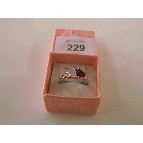 229 - Nice looking sterling silver ring